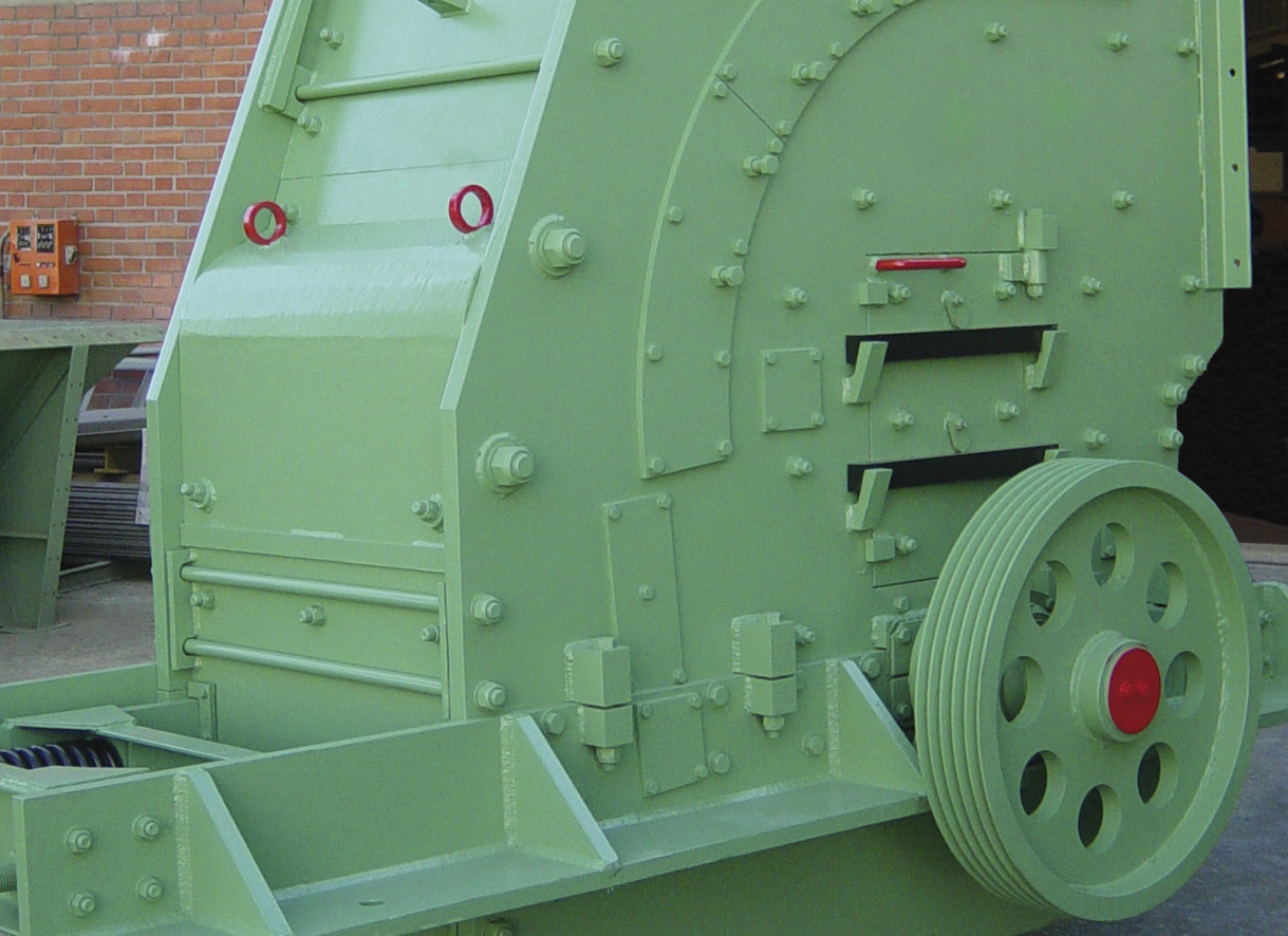 """Puerta de inspección lateral y terminación del eje principal de una trituradora de impacto <span class=""""color_granier""""><span class=""""color_granier"""">GRANIER <sup class=""""clase_sup"""">®</sup></span></span> BK 2030"""