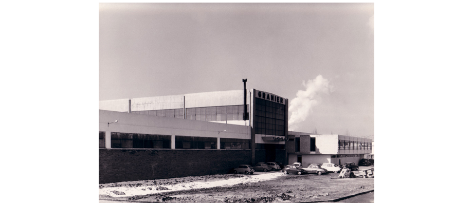 Fachada antigua fábrica de Granier